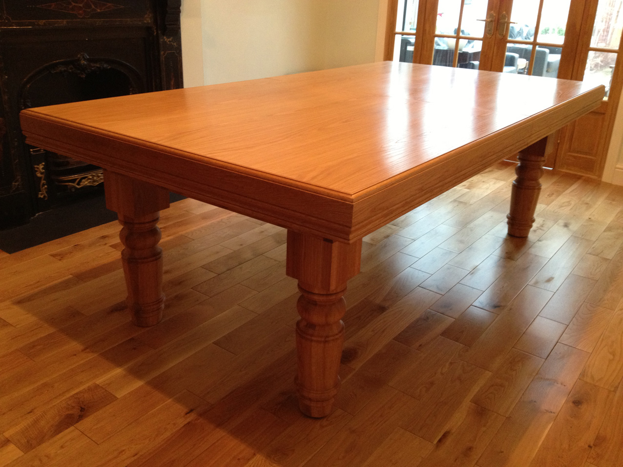 7ft Oak Snooker Dining Table With Straight Turned Legs