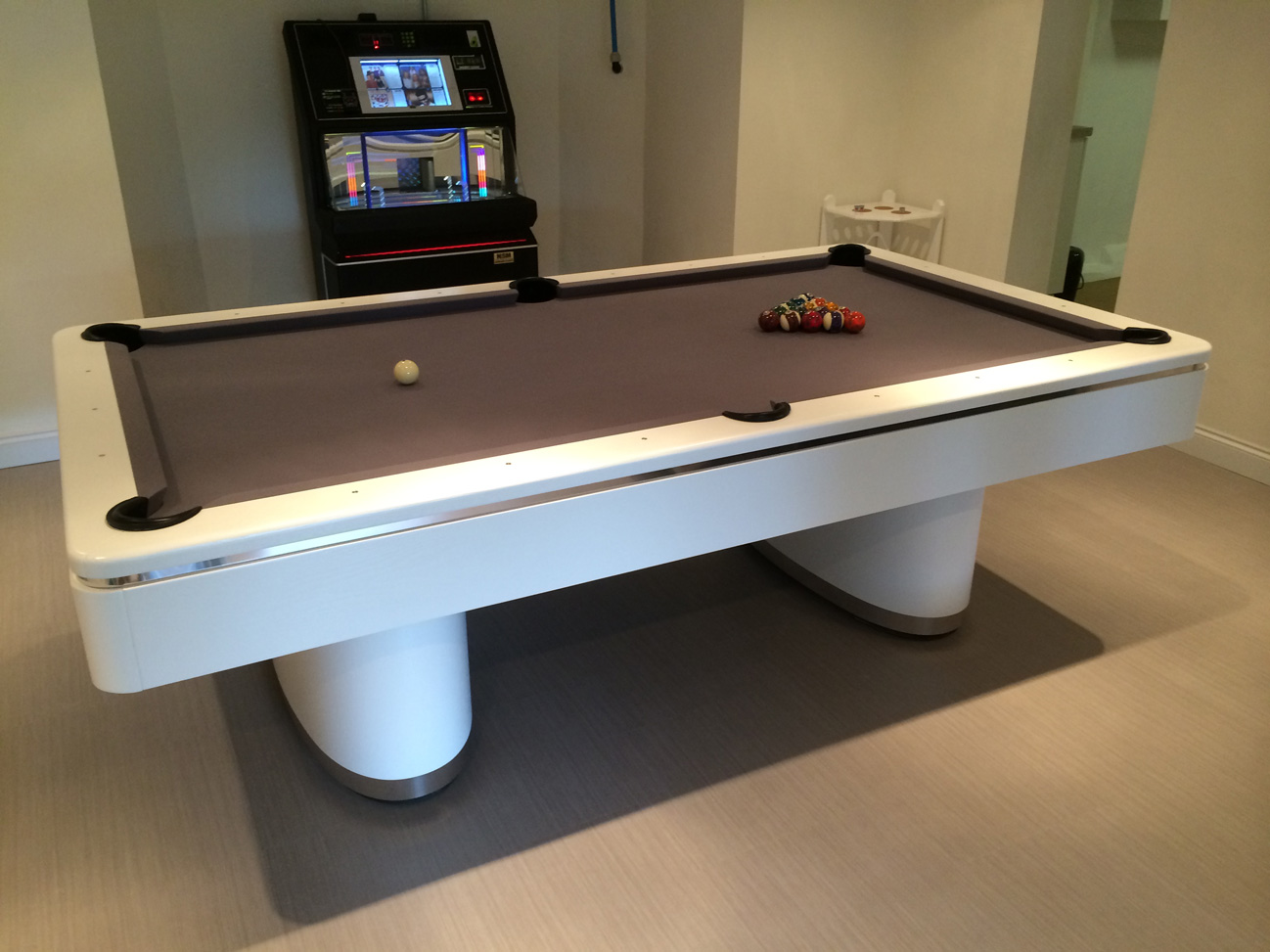 Olhausen Sahara Pool Table In White Chrome American Pool Table - Chrome pool table