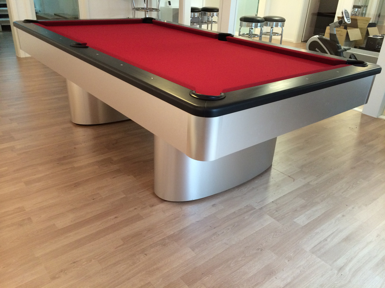 & Olhausen Sahara Pool Table in Brushed Aluminium (Red Cloth)