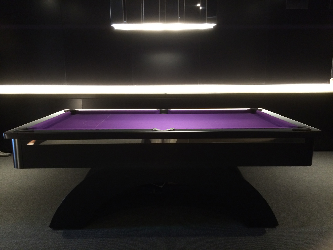 Arched Contemporary UK Pool Table In BlackBA Strip - Black modern pool table