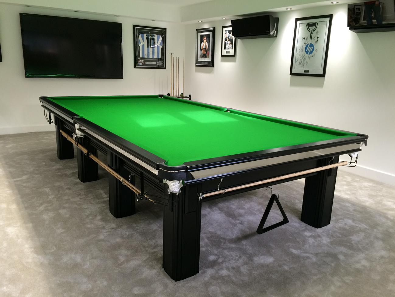 connoisseur 12 39 x 6 39 snooker table in black with green cloth