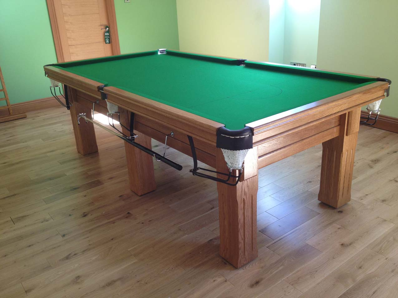Ordinaire Click To Zoom Royal Executive 8u0027 X 4u0027 Snooker Table   Square Fluted Legs