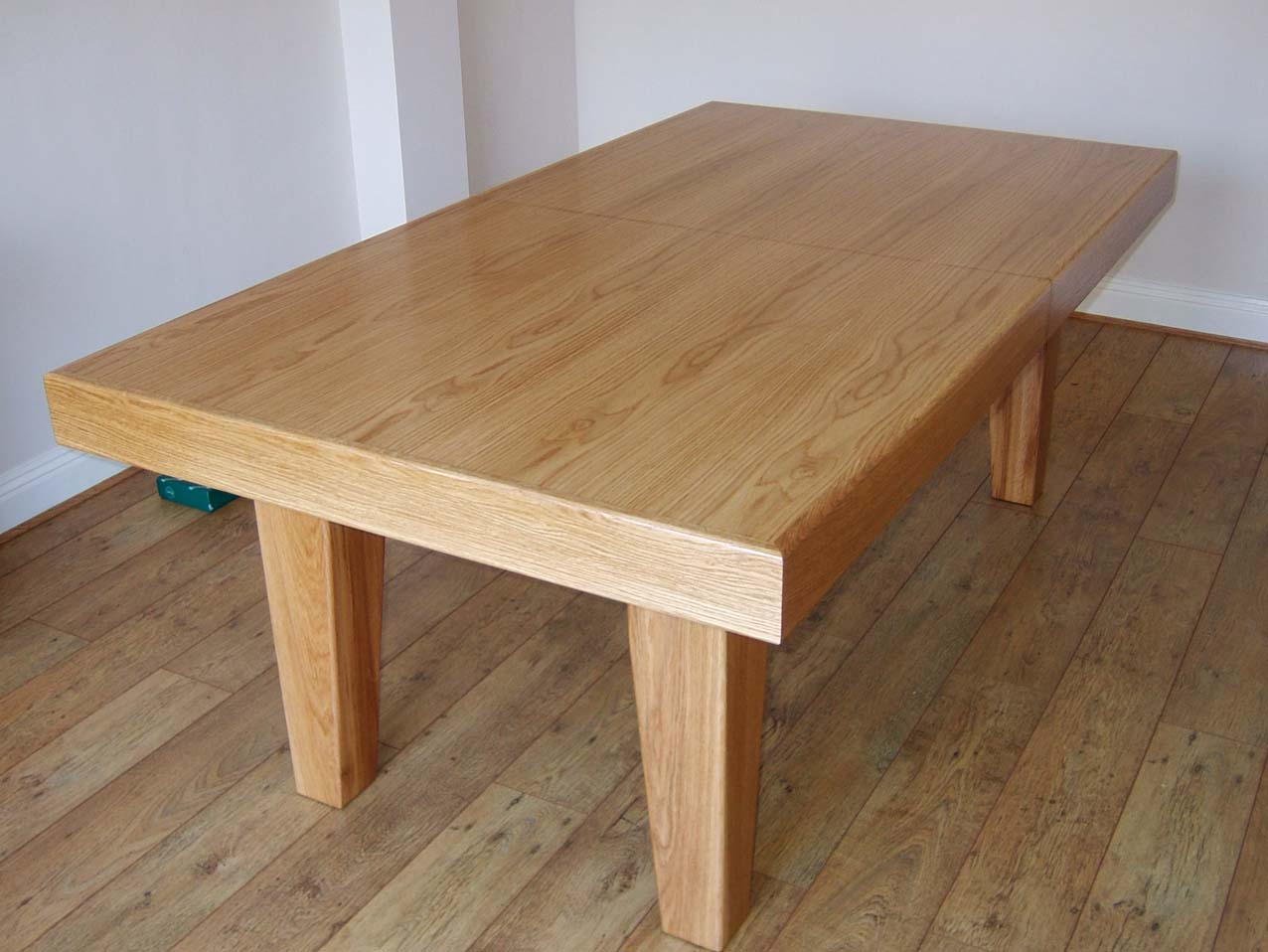 6ft snooker dining table made of oak with green cloth cover