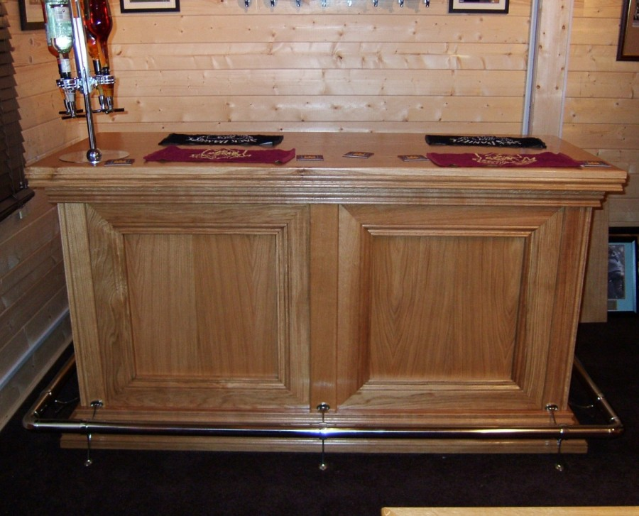 Connoisseur Traditional Bar - Freestanding 2 Panel