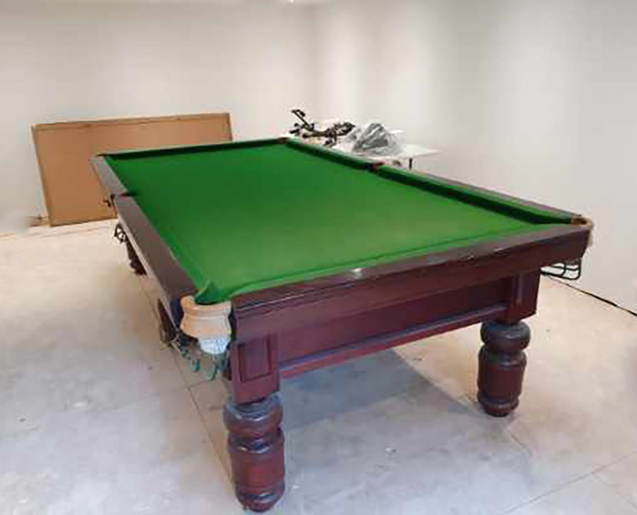 9ft DAYMOTE Snooker Table