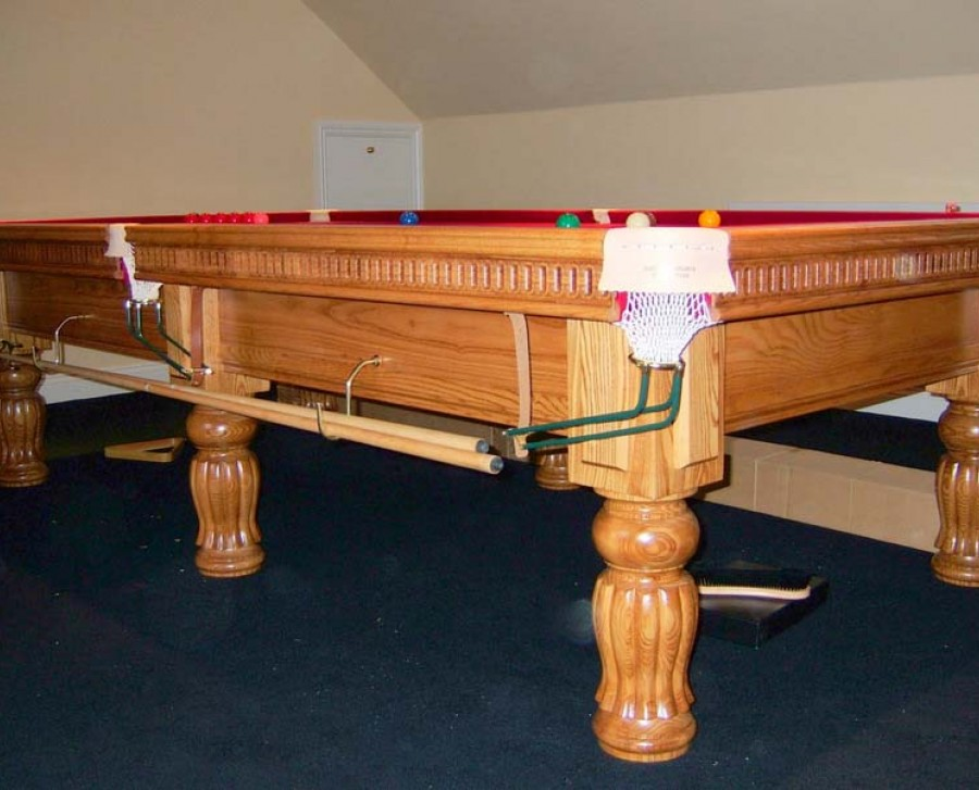 Connoisseur 10' x 5' Snooker Table Tulip Fluted Legs
